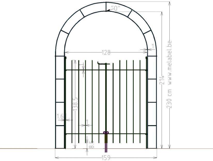 Maße vom 128 cm breiten Rosenbogen und der Tür 145 cm hoch.