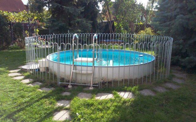 Unsere dreijährige Tochter hat den Badeunfall überlebt – jetzt haben wir einen neuen Steckzaun