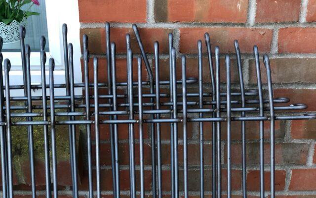 Redresser les éléments de la clôture