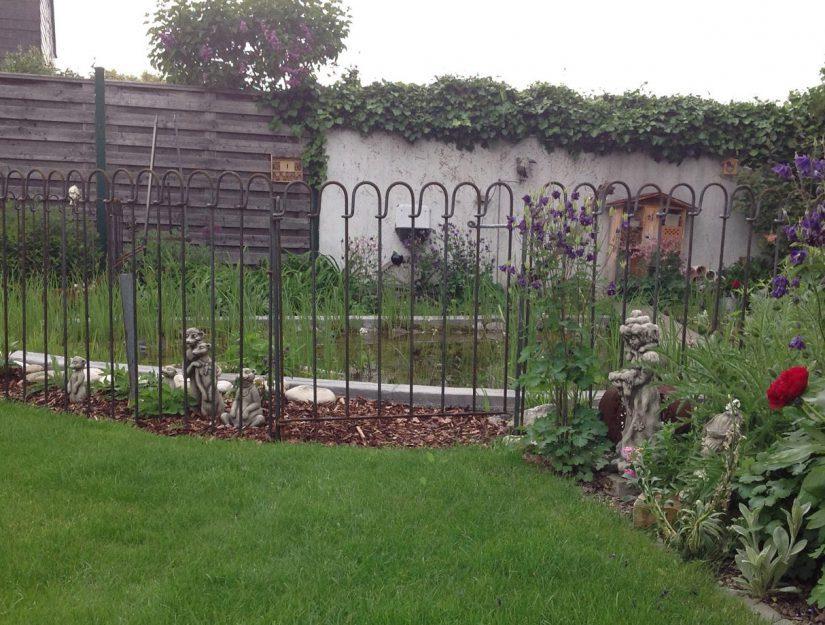 La porte light nécessite au moins 1,5 m de clôture ou un support mural du côté charnière comme contrepoids.