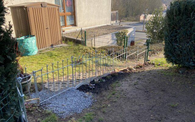 Zaun für Zwergschnauzer