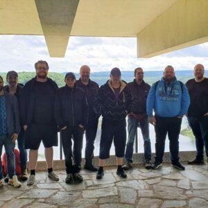 Gruppenfoto von den melabel®-Mitarbeitern an der Gileppe-Talsperre