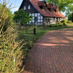 Hundezaun aus Stahl 145 cm hoch um den Garten vom Haus