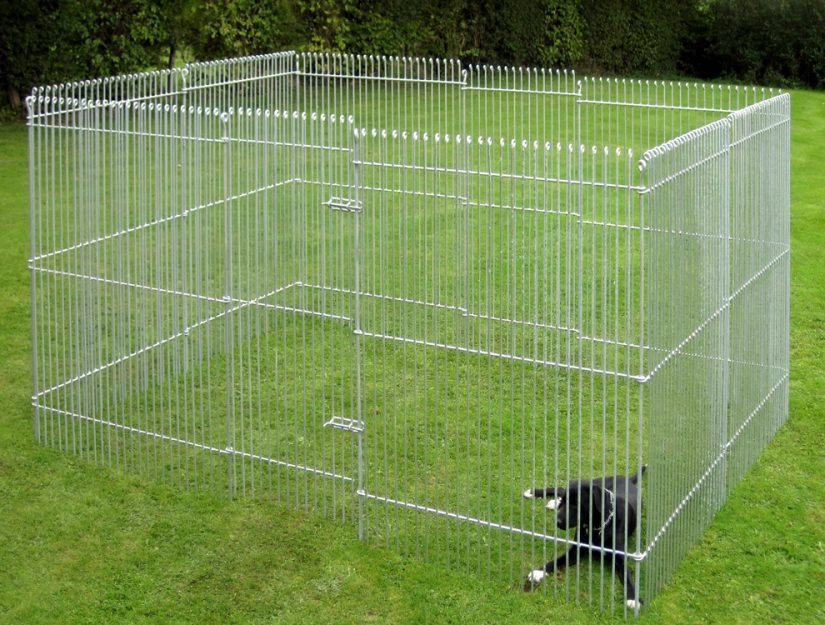 Hundegehege 195 cm hoch aus verzinktem Stahl (rostet nicht).