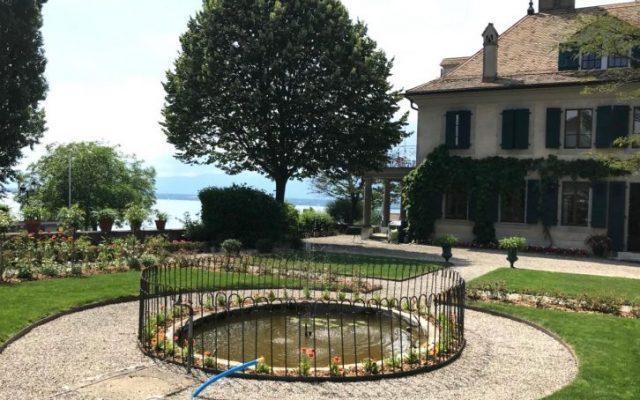 Voici la clôture de bassin montée en suisse