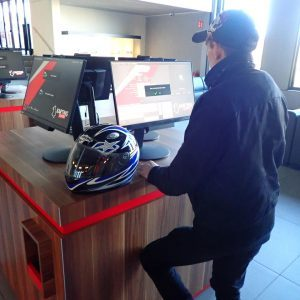 Registrieren der Fahrer an den Monitoren