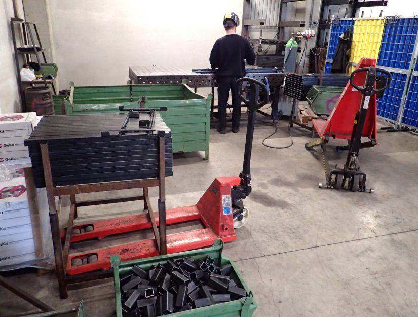 Die Brennholzregale werden bei uns in Eupen (Belgien) hergestellt.