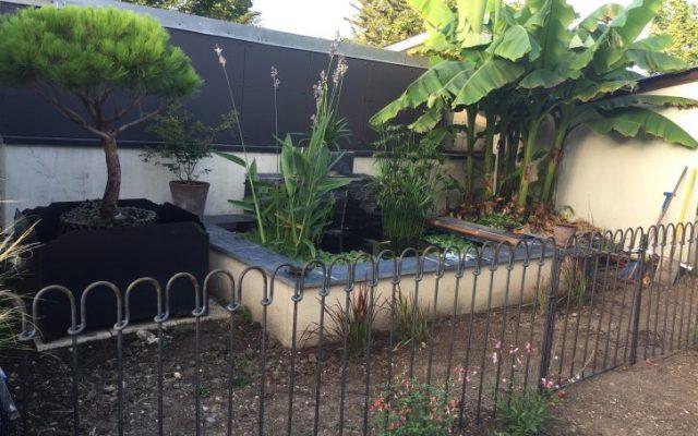 8 mètres linaires de clôture étang light avec un portail