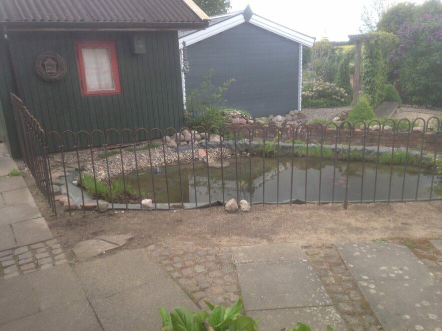 Der Teich ist eingezäunt, meine Frau ist zufrieden, der Enkel ist geschützt