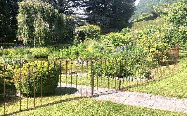 Schöne Bilder von einem gesicherten Gartenteich