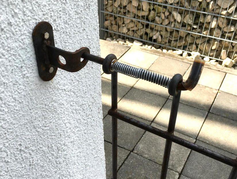Riegel-Wandhalter roh (darf rosten) für die Tür anneau.