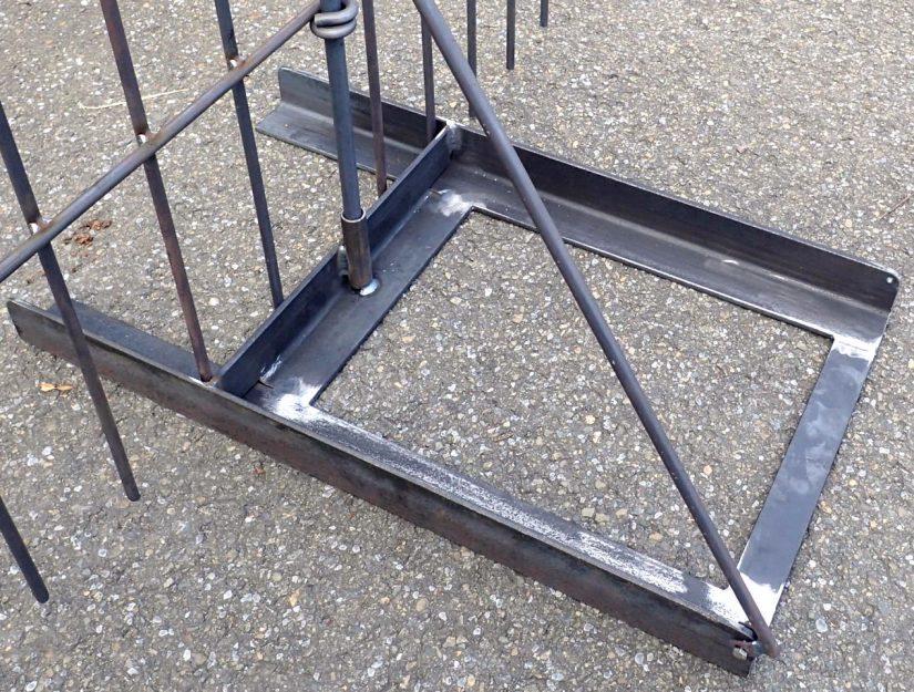 Der Boden-Ständer ist geeignet für Zaunabschnitte, wo Sie nicht in den Boden Stecken können.