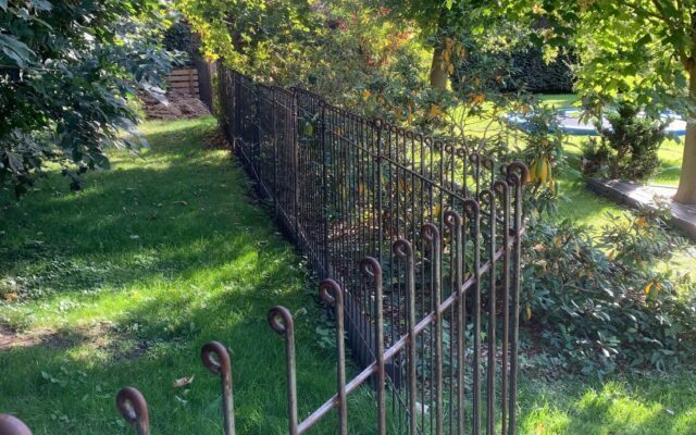 Wartungsarmer Hundeschutz-Zaun