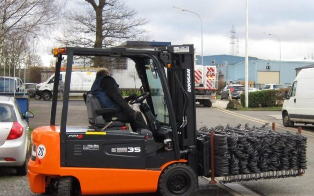 Wir haben jetzt einen 3,5 Tonnen Gabelstapler