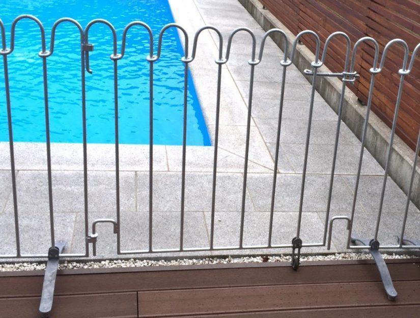 La porte du poolfix a une largeur de 100 cm et peut être fixée à n'importe quel élément du poolfix.