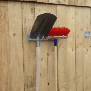 Werkzeug und Schaufelhalter zum Anschrauben verzinkt