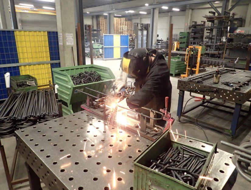 Les supports de tuyaux sont fabriqués par nos soins à Eupen (Est de la Belgique).
