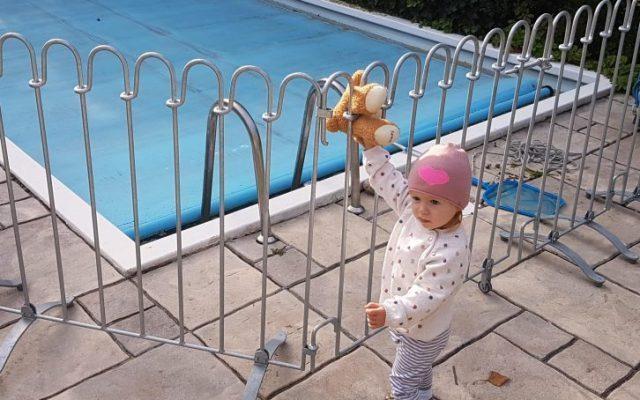 Mit dem Schwimmbadzaun sehr zufrieden