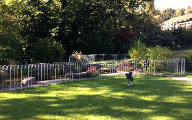 Große Teichanlage einzäunen