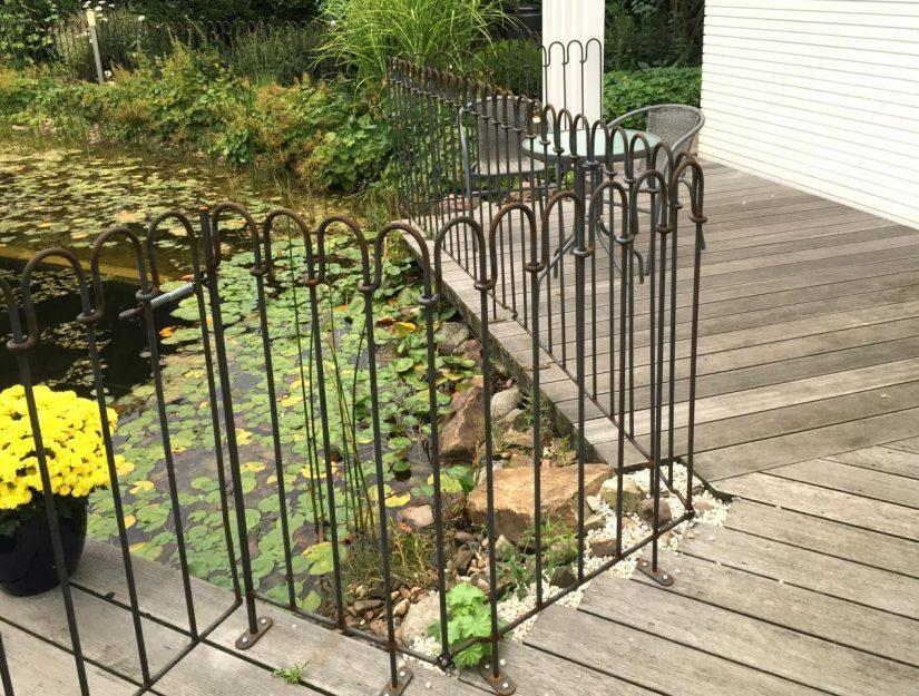 Es ist möglich Terrassenelemente für Sie anzufertigen, an denen Sie eine Tür montieren können.