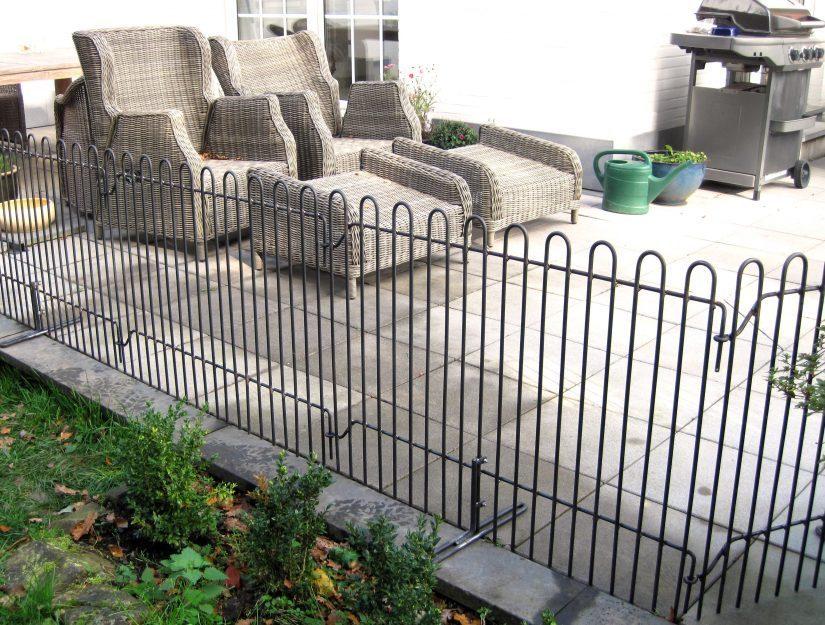 Clôture de terrasse rabbit avec pieds en brut (peut rouiller et rouillera).