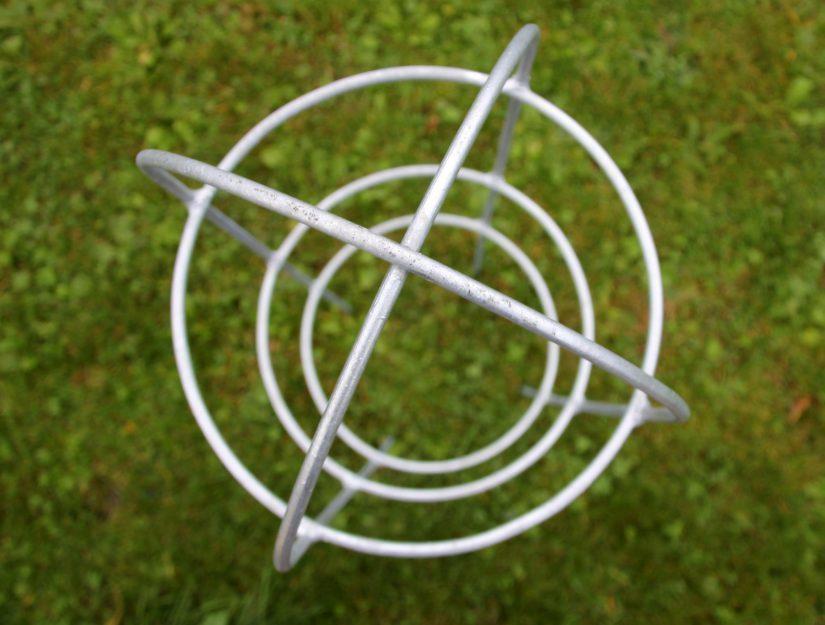 Obélisque de jardin- vue de dessus - galvanisé (ne rouille pas !).