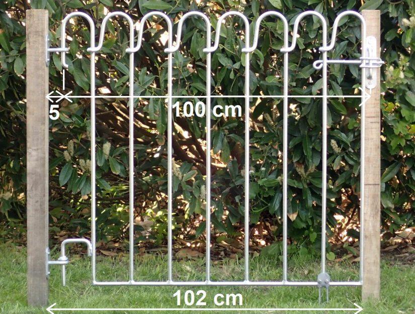 """Wenn das Tor """"vor"""" die Mauer anschlägt - 2 Wandhalter und ein Riegel-Wandhalter."""