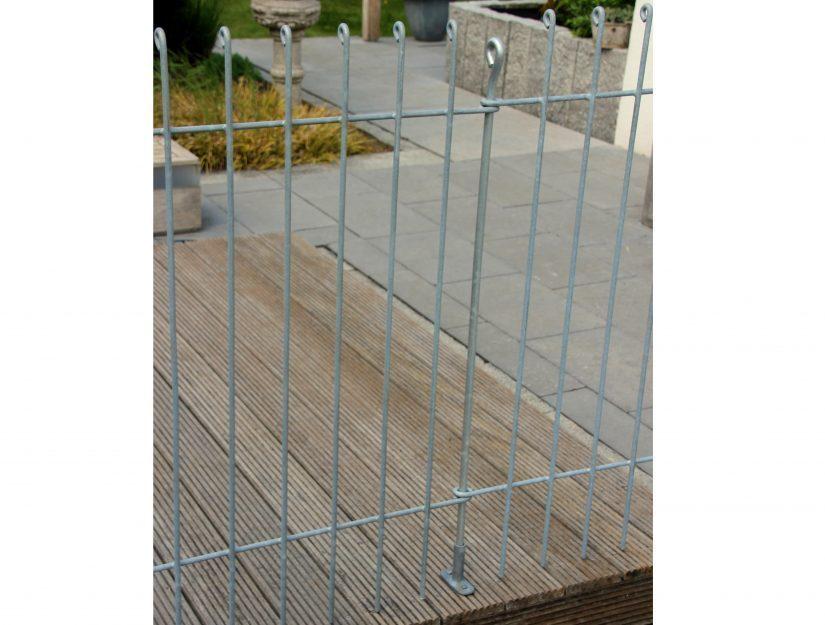 Bei Bestellungen mit Terrassen-Aufschraubplatten ersetzen wir die Verbindungsstäbe durch kürzere.