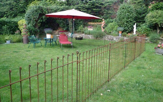 Absperrungs-Zaun für Hund im Garten