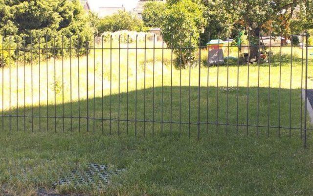 Gartenabtrennung mit Tür