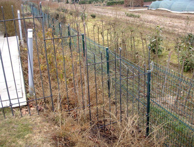 51 cm breite Elemente in einem Hang mit dem Gartenzaun anneau-145-roh (bis zu 66%).