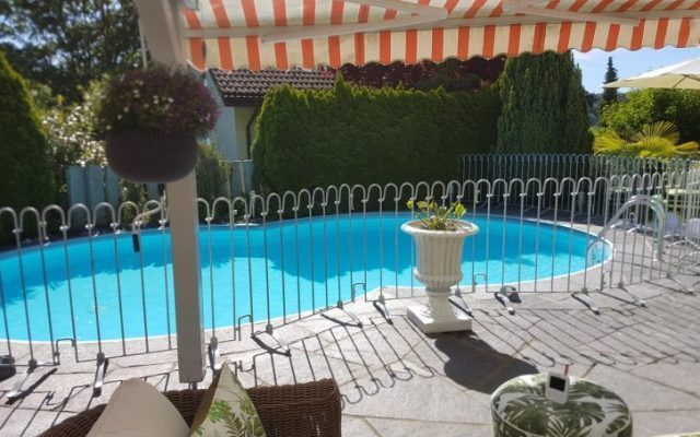 Stabiler Poolschutz Zaun